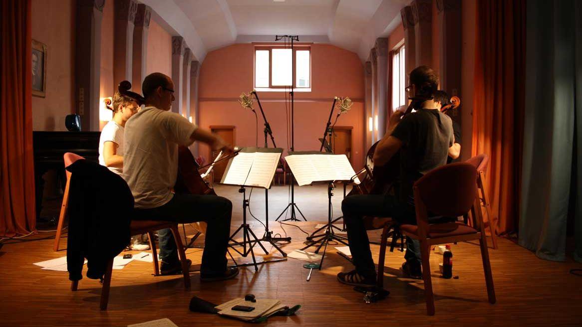 Streicherquartett während einer CD-Produktion
